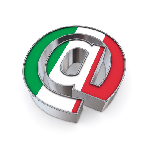 Italiani sempre più connessi