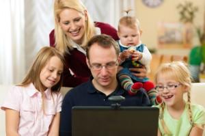 <!--:it-->Le nuove tecnologie in famiglia<!--:--><!--:en-->The new technologies in family <!--:--><!--:fr-->Les nouvelles technologies en famille<!--:-->