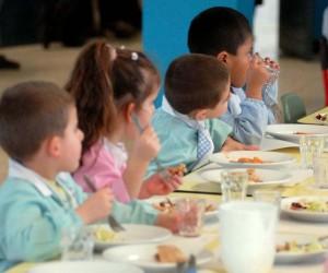 <!--:it-->Cibo scaduto, avariato somministrato a bambini e anziani nelle mense<!--:--><!--:en-->Expired food, battered in the given to children and the elderly in canteens<!--:--><!--:fr-->Aliments périmés, battue dans la donnée aux enfants et aux personnes âgées dans les cantines<!--:-->