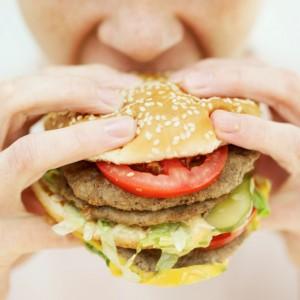 <!--:it-->Dormire poco aumenta il desiderio di mangiare cibo spazzatura<!--:-->