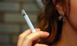 <!--:it-->Cancro ai polmoni: nuove vittime anche fra donne e non fumatori <!--:--><!--:en-->Lung cancer: new victims even among women and smokers<!--:--><!--:fr-->Le cancer aux poumons, nouvelles victimes même parmi les femmes et les fumeurs<!--:-->